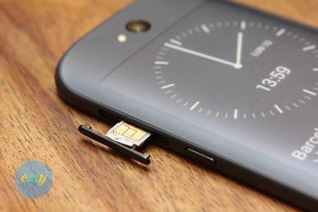 nanosim-yotaphone2