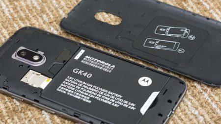 Bateria e interior del Moto G4 Play