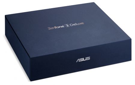 Caja del Asus Zenfone 3 Deluxe, donde además del móvil también encontrarás unos auriculares con micrófono y sonido Hi-Res
