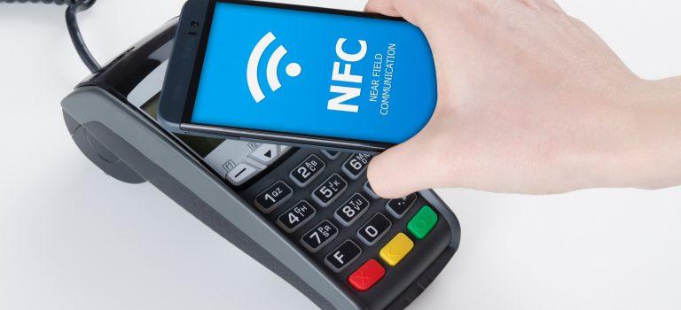 Los mejores móviles baratos con NFC, compatibles con Google Pay para pagar con el móvil