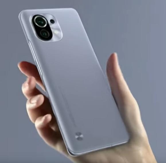 ¿El Xiaomi Mi 11 incluye el cargador en la caja? ¿Se puedo obtener gratis el cargador del Xiaomi Mi 11? Versión global